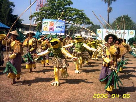 at-pandan-festival-dance