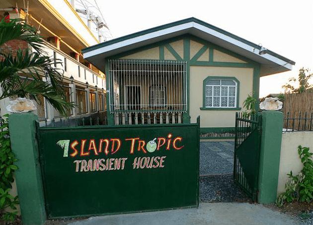 Island Tropic Hotel & Restaurant 3