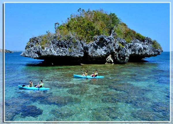 Hundred-Islands-Kayaking